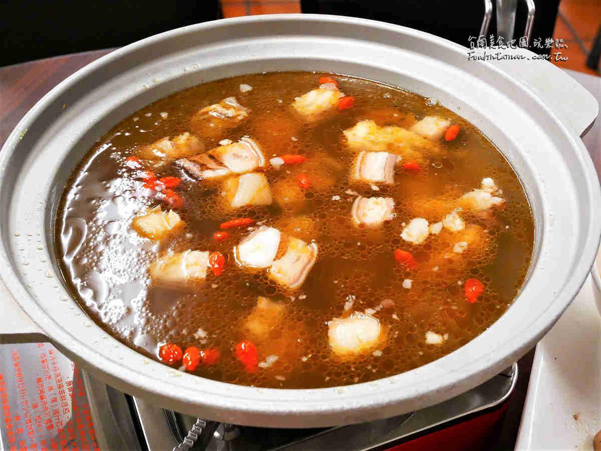 台南熱炒美食火鍋推薦-友雞羊甕仔雞羊肉爐