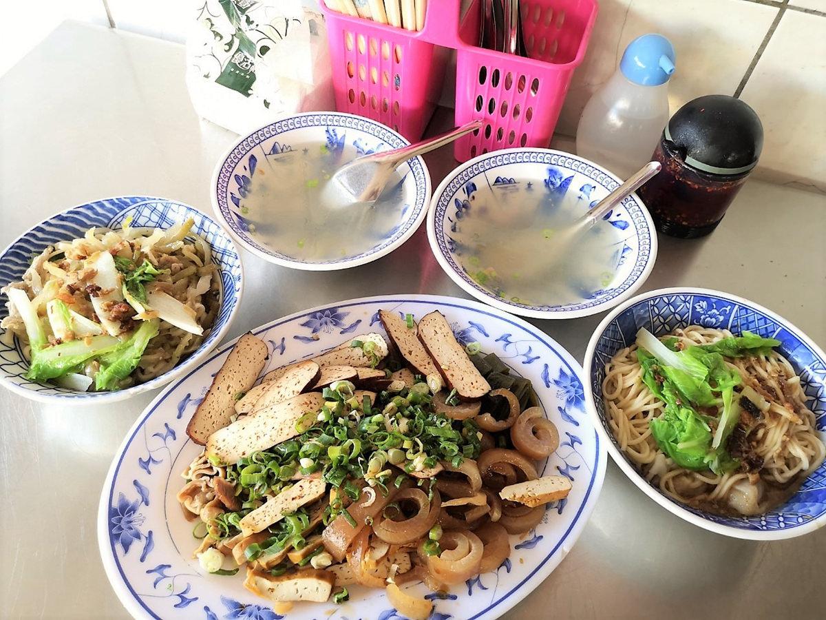 台南永康推薦地在人平價美味傳統麵攤-大灣七街無名陽春麵店