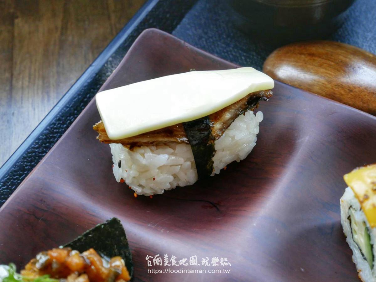 台南中西區推薦創意鰻魚壽司店胡蘿蔔豬肉握壽司鰻魚頭肝湯-豐藏鰻魚料理專門