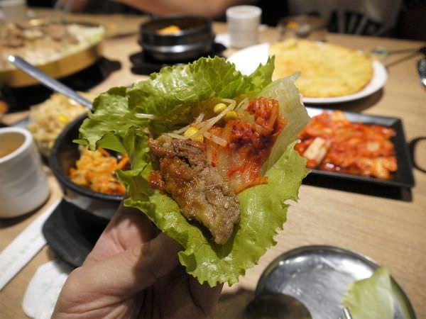 【台南市-新營區】在『譚歐巴』相遇美味的韓式料理!與部隊鍋歡頌銅盤豬五花的軟嫩,和起司拌飯糾纏在辣炒年糕中吧٩(♡ε♡ )۶