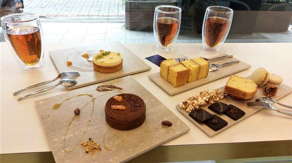 【台南市-東區】午後慵懶的優雅甜點~『Silence 屏息甜點工坊』的天鵝霜冰琳,讓人誤入紫氳夢幻的粉嫩國度♡∨♡
